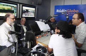 T�lio Velho Barreto, Fernando Coelho e Vandeck Santiago participaram de debate na R�dio Globo AM mediado por Fl�vio Adriano (Jo Calazans/Esp)