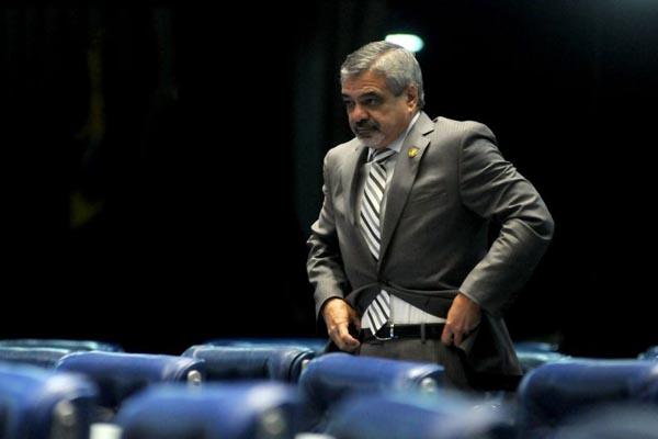 Humberto Costa: uma CPI agora, ainda mais sendo ampla, s� servir� para dar palco para a oposi��o. Foto: Iano Andrade/CB/D.A Press (Iano Andrade/CB/D.A Press)