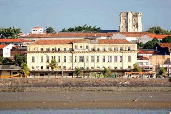 Pr�dio da Esta��o Ferrovi�ria Jo�o Lisboa, localizada na Avenida Beira-Mar, foi recomendado pelo MPF para receber reparos emergenciais. Foto: Karlos Ger�my/O IMP/DA Press  (Karlos Ger�my/O IMP/DA Press)