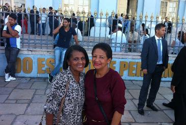 A l�der comunit�ria Maria Silvestre da Silva Soares (E) esperava ver Eduardo Campos na Assembleia. Foto: Franco Benites/DP/D.A Press
