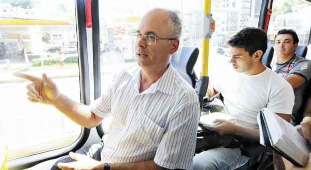 O promotor Leonardo Barbabela: 'N�o troco a viagem de BRT pelo percurso de carro, que � muito caro, estressante e demorado' Foto: Jair Amaral/EM/D.A.Press (Jair Amaral/EM/D.A.Press)