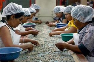 As latinas s�o as que ganham menos nos Estados Unidos, revela um estudo divulgado nesta segunda-feira pelo Institute for Women's Policy Research. Foto: Miguel Alvarez/AFP Photo