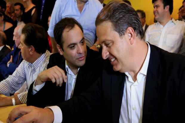 Nos pr�ximos dias, o pr�-candidato vai instensificar sua agenda pelo interior do estado para suprir a falta do seu padrinho pol�tico, o ex-governador e presidenci�vel Eduardo Campos (PSB) em sua pr�-campanha. Foto: Teresa Maia/DP/D.A Press (Teresa Maia/DP/D.A Press)