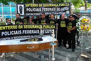 Categoria promoveu protestos em todo o pa�s para denunciar crise interna, desaparelhamento e defasagem salarial. Foto: Pol�cia Federal/Divulga��o