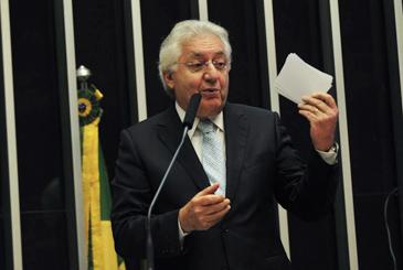 Ministro da Secretaria da Micro e Pequena Empresa, Guilherme Afif Domingos, participa de debate da Comiss�o Geral sobre o projeto que atualiza a Lei Geral da Micro e Pequena Empresa. Foto: Antonio Cruz/Ag�ncia Brasil