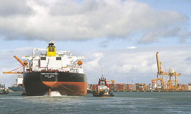 Petroleiro Drag�o do Mar ser� entregue � Transpetro pelo Estaleiro Atl�ntico Sul na pr�xima quarta (BLENDA SOUTO MAIOR/DP/D.A PRESS )
