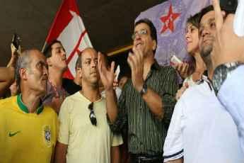 Na �ltima ter�a, Cassinho foi recebido por correligion�rios no retorno ao cargo de prefeito em Nova Lima. Foto: Prefeitura de Nova Lima/Divulga��o (Prefeitura de Nova Lima/Divulga��o)