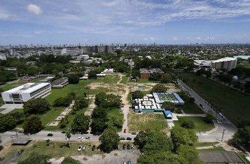 No campus Recife, onde já foram registrados assaltos e sequestros-relâmpagos, atuarão 103 vigilantes. Foto: Blenda Souto Maior/DP/D.A Press/Arquivo