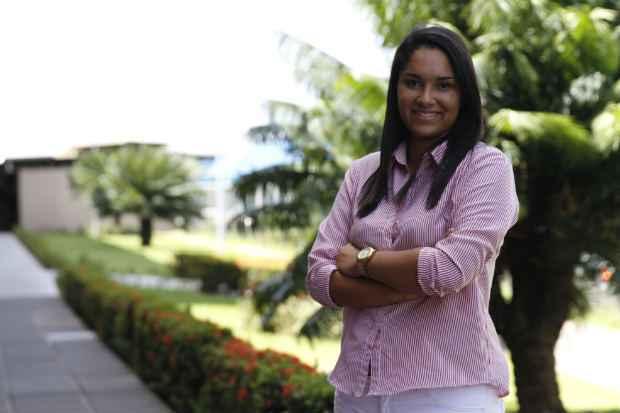 Sheila Nascimento engrenou uma p�s depois de concluir o curso de gest�o de pessoas, seguindo a filosofia de n�o ficar parada. Foto: Blenda Souto Maior/DA Press