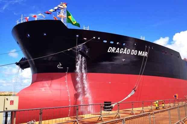 O Drag�o do Mar � o terceiro navio constru�do pelo EAS em Pernambuco. Os dois primeiros entregues � Transpetro pelo estaleiro foram o Jo�o C�ndido, liberado em maio de 2012, e o Zumbi dos Palmares, entregue em maio de 2013 (Teresa Maia/DP/D.A Press)