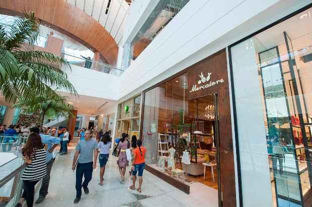 Quase todas as lojas dos shoppings da RMR estar�o fechadas nesta sexta-feira. Foto: RioMar Shopping/Divulga��o