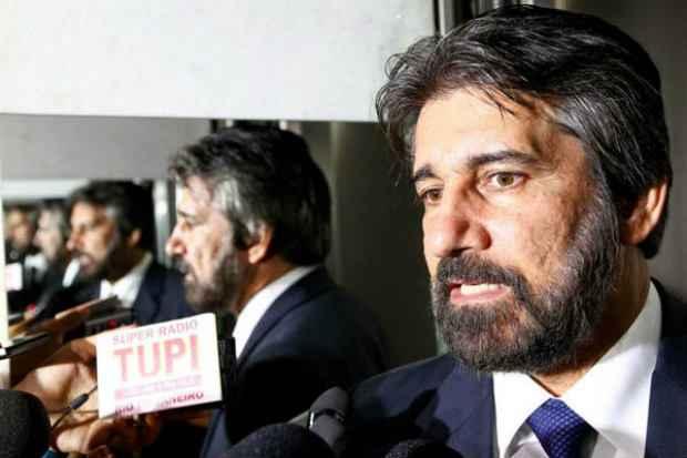 Valdir Raupp (PMDB-RO): H� alguns pontos que merecem an�lise mais detida, para evitar que o destino venha a ser o veto presidencial