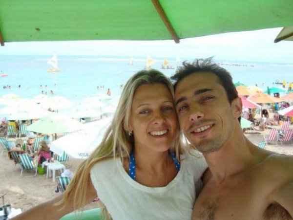 Graciela Ugulioni e Adriano: madrasta suspeita de asfixiar Bernardo Foto: Facebook/Reprodu��o