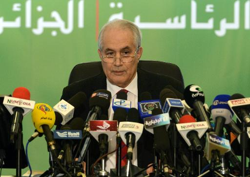O presidente argelino Abdelaziz Buteflika foi reeleito para o quarto mandato com 81,53% dos votos, anunciou nesta sexta-feira o ministro do Interior, Tayeb Belaiz. Foto: AFP FAROUK BATICHE