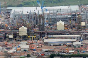 Obras come�aram em 2005. Desde ent�o, custo subiu de US$ 2,5 bilh�es para US$ 17 bilh�es. Foto: Teresa Maia/DP/D.A Press