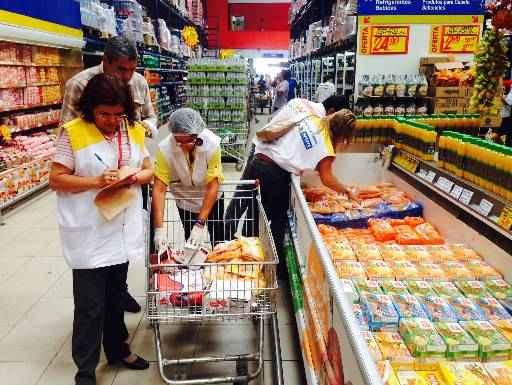 Lojas v�m tendo atividades suspensas ap�s fiscaliza��es da Vigil�ncia Sanit�ria. Foto: Augusto Freitas/DP/D. Press