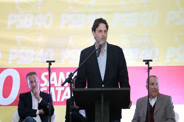 Paulo Bornhausen (centro) � um dos nomes do PSB para o governo catarinense Foto: PSB/Reproducao da Internet (PSB/Reproducao da Internet)