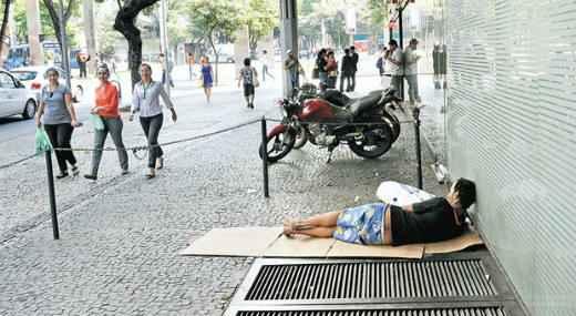 Principais motivos para sair de casa s�o uso de �lcool e drogas. Foto: Beto Magalh�es/EM/D.A Press