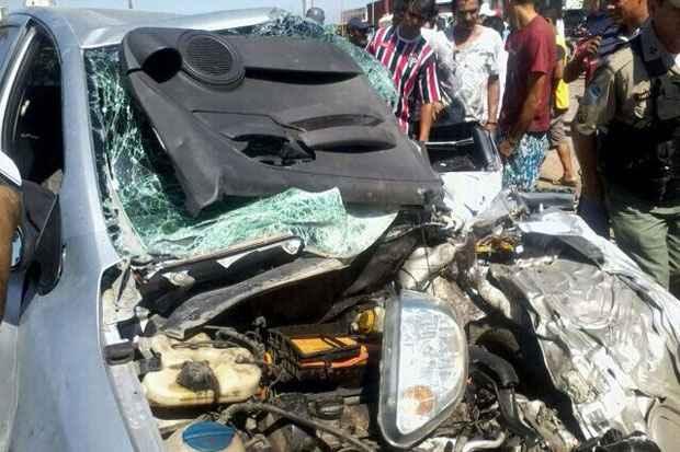 Carro em que estava o vereador se chocou contra um caminhão. Foto: WhatsApp/DP