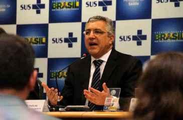 Alexandre Padilha recebeu neste s�bado apoio do PCdoB em S�o Paulo, enquanto o PSDB promete acionar o MPF para investig�-lo. Foto: Elio Rizzo/Esp. CB/D.A Press