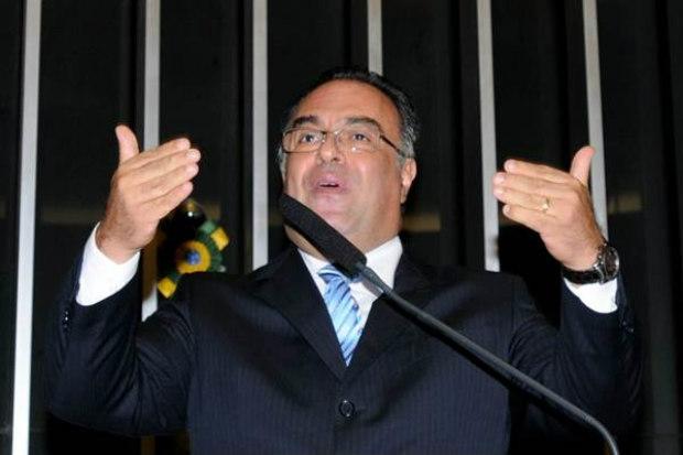 Deputado Andr� Vargas, fala da tribuna durante sess�o, no Congresso Nacional. Foto: Carlos Moura/CB/D.A Press) (Carlos Moura/CB/D.A Press))