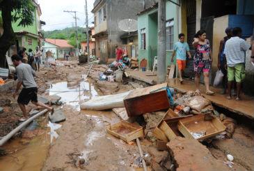 Os alagamentos, por exemplo, atingiram 2.065 munic�pios, os processos erosivos, 1.113 cidades. Os dados s�o do IBGE. Foto: Beto Novaes/EM/D.A Press