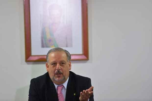 O ministro da Secretaria de Rela��es Institucionais, Ricardo Berzoini durante caf� da manh� com jornalistas. Foto: Wilson Dias/Ag�ncia Brasil