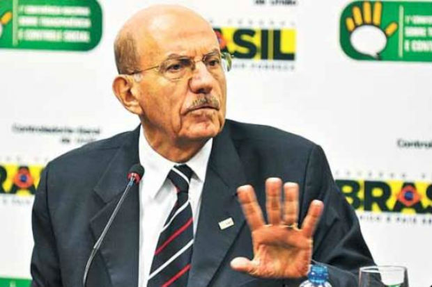 O ministro da CGU, Jorge Hage, determinou a investiga��o do contrato. Foto: Ant�nio Cruz/Ag�ncia Brasil (Ant�nio Cruz/Ag�ncia Brasil)