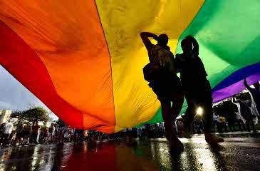 Militantes lotaram a Avenida Paulista para cobrar a aprova��o de leis que criminalizam o preconceito e d�o direitos aos LGBT. Foto: Daniel Ferreira/CB/D.A.Press