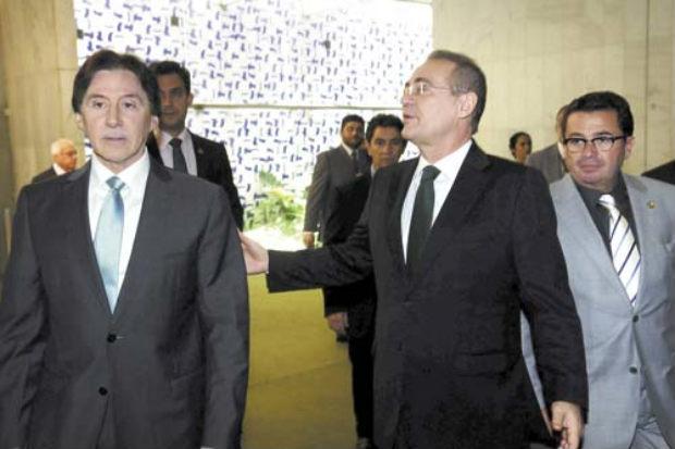 L�der do PMDB, Eun�cio Oliveira (E) indicar� os nomes do partido a Renan Calheiros. Vital do R�go (D) � cotado para o comando da CPI da Petrobras. Foto: Bruno Peres/CB/D.A Press (Bruno Peres/CB/D.A Press)