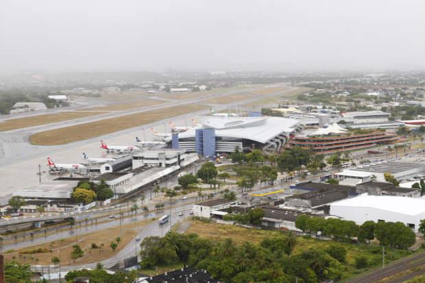 Aeroportos das cidades-sedes, como o Recife, ser�o inspecionados pela Anac. Foto: Paulo Paiva/DP/D.A.Press