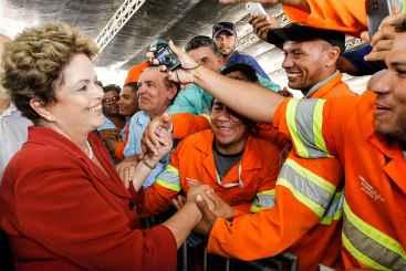 Inaugura��o de trecho da transposi��o acabou como visita depois que o Planalto descobriu que as obras n�o estavam conclu�das. Foto: Roberto Stuckert Filho/PR