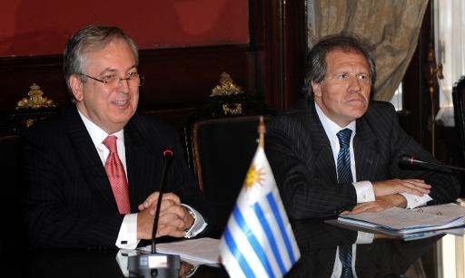 O ministro das Rela��es Exteriores do Brasill, Luiz Alberto Figueiredo (e), ao lado do chanceler uruguaio, Luis Almagro. Foto: Miguel Rojo/AFP Photo