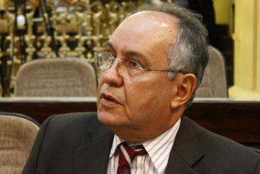 Jos� Humberto Cavalcanti diz que ataques s�o preocupa�ao com crescimento de Armando Monteiro nas pesquisas (Paulo Paiva/DP/DA Press)