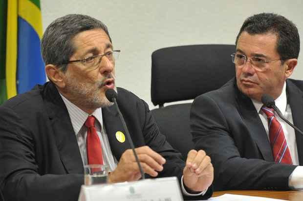 A Comiss�o Parlamentar de Inqu�rito (CPI) da Petrobras no Senado ouve o ex-presidente da estatal Jos� Sergio Gabrielli. Foto: Ant�nio Cruz/Ag�ncia Brasil