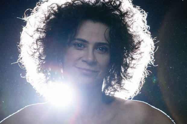 Turnê marca 40 anos de carreira da cantora. Foto: Leo Aversa/Divulgação