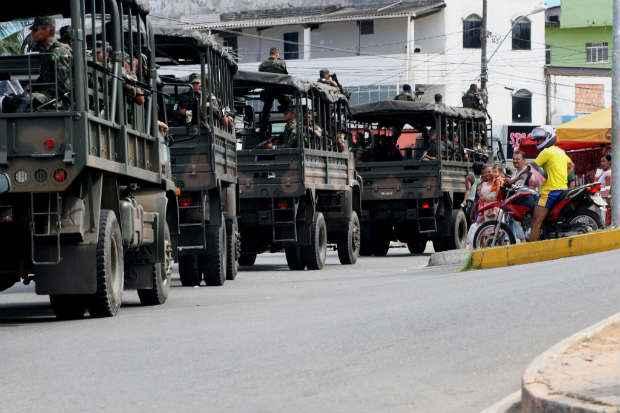 Dilma quer a presen�a f�sica de soldados do Ex�rcito nos trajetos por onde as autoridades e sele��es passar�o, nos arredores dos diversos centros de treinamento dos jogadores, a exemplo da Granja Comary. Foto: El�i Corr�a (El�i Corr�a)