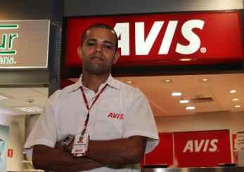 Deyverson Fernandes, da Avis, destaca que a frota foi aumentada em 100 carros. Foto: Edvaldo Rodrigues/DP/D.A Press