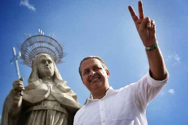 Nas terras do Padre C�cero, Eduardo diz que brasileiro pode derrotar