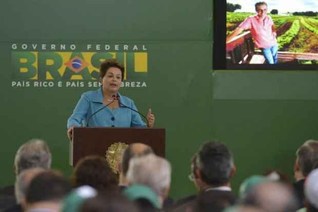 Dilma informou que uma novidade desse plano � o Pronaf Produ��o Orientada para o agricultor financiar a produ��o sustent�vel de alimentos nas regi�es Norte, Nordeste e Centro-Oeste. Foto: Wison Dias/Ag�ncia Brasil (Wilson Dias)