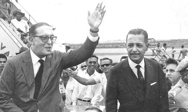 Ex-governador do estado da Guanabara (Rio de Janeiro), Carlos Lacerda (e) tinha estreita liga��o com intelectuais. Foto: Arquivo/DP