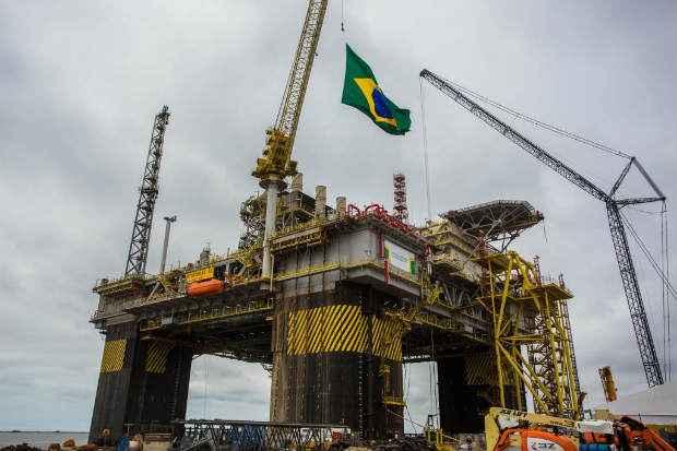Segundo nota da Petrobras, o %u201Cfoco de inc�ndio foi prontamente debelado%u201D e deixou seis funcion�rios da empresa Odebrecht Oil & Gas com ferimentos leves. Foto: Ag�ncia Petrobras (Imprensa/Ag�ncia Petrobras)