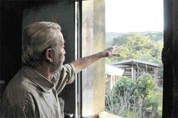 Antonino Rodrigues da Costa foi multado pelo Ibama pela pr�tica de aceiro e pode perder a propriedade se n�o quitar a d�vida em um m�s. Foto: Tulio Santos/EM/D.A. Press