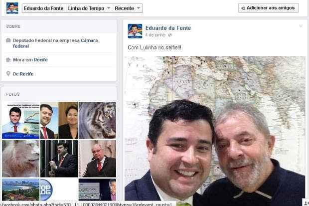 Em 2012, parlamentar confirmou apoio a Humberto Costa por meio de uma foto com o cacique petista (Foto: reprodu��o/facebook/eduardodafonte)