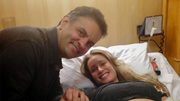 O senador e a esposa Let�cia Weber, de 34 anos, antes do parto. Foto: Facebook/Reprodu��o