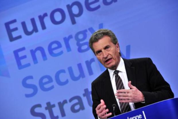 O comiss�rio europeu de Energia, Gunther Oettinger, indicou que est� previsto que as negocia��es sobre o g�s russo sejam retomadas na quarta. Foto: � AFP/Arquivos GEORGES GOBET (O comiss�rio europeu de Energia, Gunther Oettinger, indicou que est� previsto que as negocia��es sobre o g�s russo sejam retomadas na quarta. Foto: � AFP/Arquivos GEORGES GOBET)