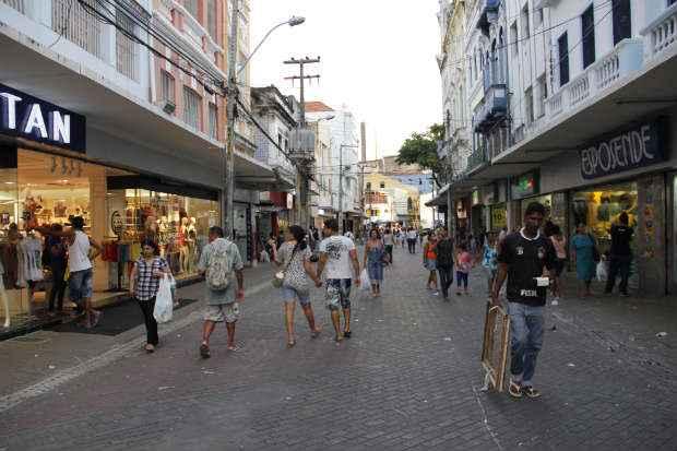 Vendas do com�rcio varejistas registraram a segunda queda consecutiva no ano, segundo o IBGEFoto: D�bora Rosa/Esp.DP/D.A.Press