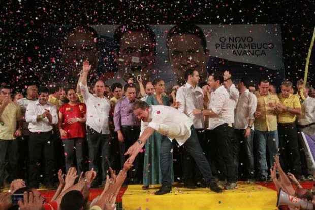 Conven��o do PSB no Recife: num dos discursos mais duros contra o PT, Campos lan�ou o candidato Paulo C�mara ao governo pernambucano. Foto: Allan Torres/Esp. DP/D.A press  (Allan Torres/Esp. DP/D.A press)