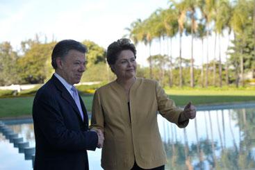 A Presidente Dilma Roussef recebe o presidente da Col�mbia Juan Manuel Santos. Foto: Jos� Cruz/Ag�ncia Brasil