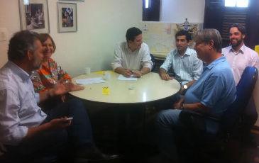 Dirigentes e deputados do PSDB se reuniram na sede do partido nesta quinta-feira. Foto: Ana L�cia Andrade/Divulga��o